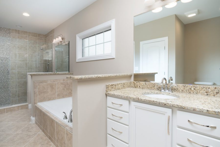 Bathroom Home Designs by Thompson Homes